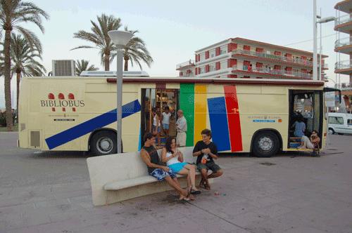 El Bibliobús en la playa