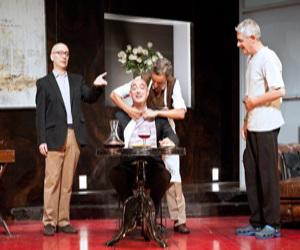 El domingo 23 en el Teatre Serrano, La cena de los idiotas