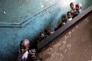 Schadeberg nos muestra «La brecha de la pobreza» en la Biblioteca Central