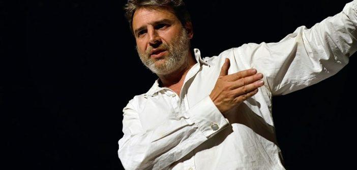 Alberto San Juan en el Teatre del Raval con Autorretrato de un joven capitalista español
