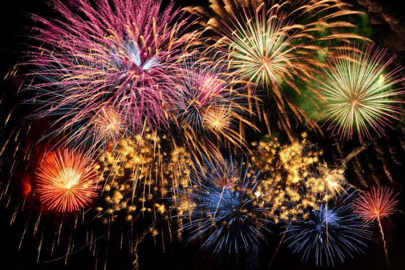 Un gran castillo de fuegos artificiales para recibir el nuevo año