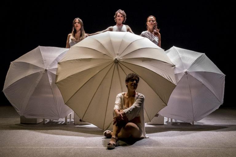 Segarem ortigues amb els tacons, de Teatro del contrahecho