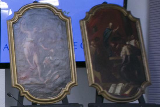 El proyecto «Gandia Restaura» recupera dos pinturas del barroco