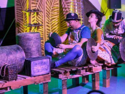 «Pluff», un espectacle de teatre, música i dansa